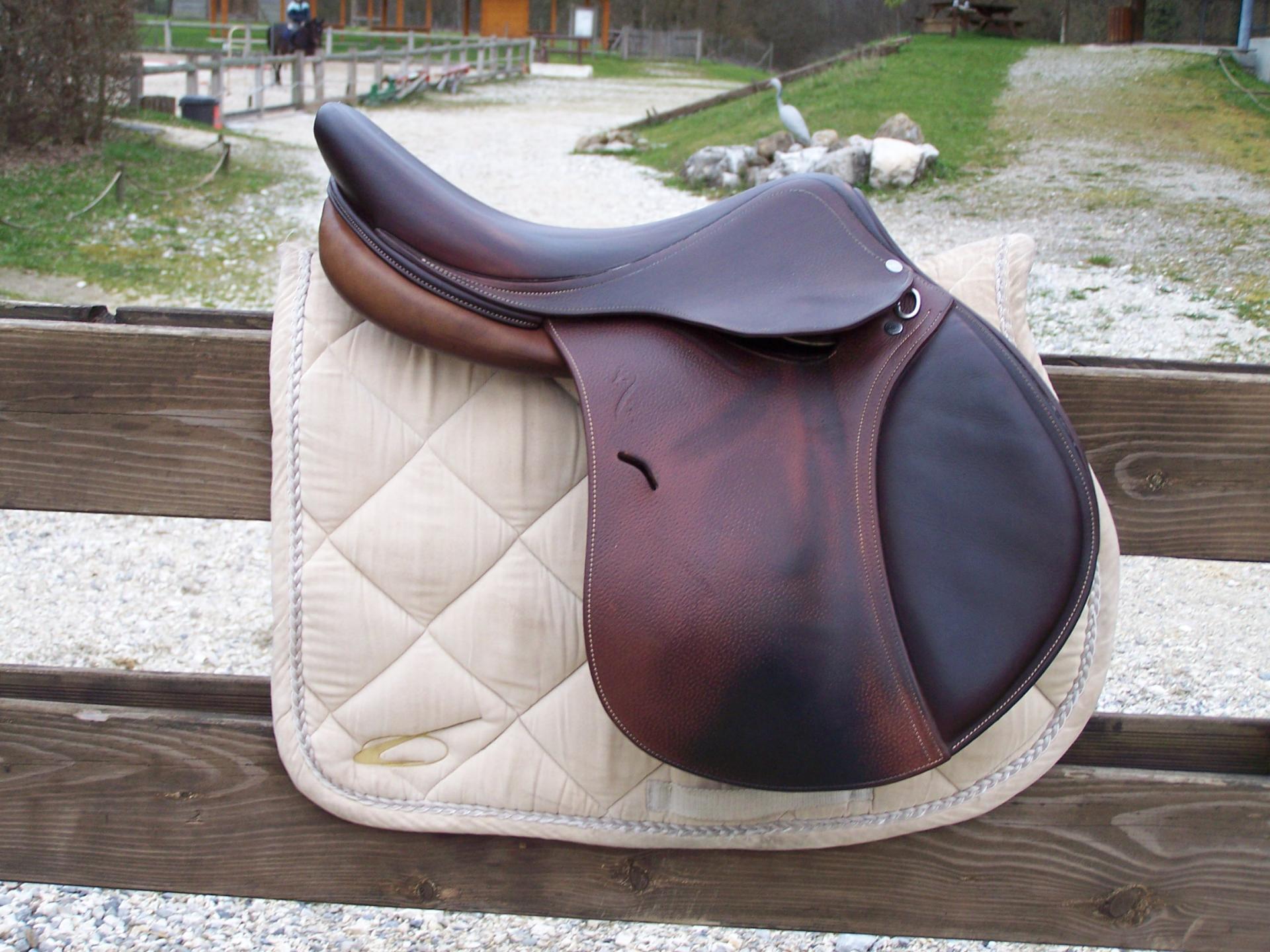selles vendues montrant notre gamme de produits saddle sold to show our products. Black Bedroom Furniture Sets. Home Design Ideas